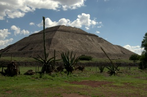 Teotihuacan 92 - Pyramid of the Sun
