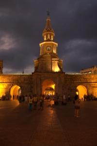 Puerta de Reloj 10