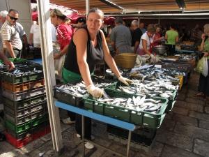 Split Fish Market 4