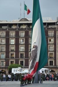 Zocalo flag ceremony 5