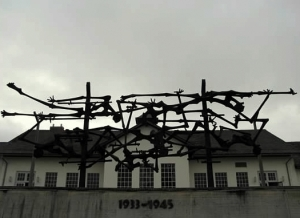 dachau_memorial