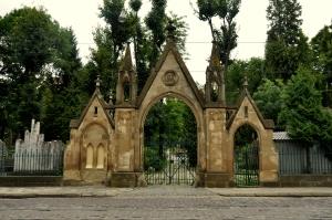 lychakiv-cemetery-1