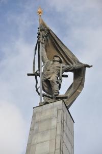 russian-memorial-cemetery-7